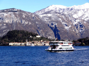 lake-como-ferry-pano