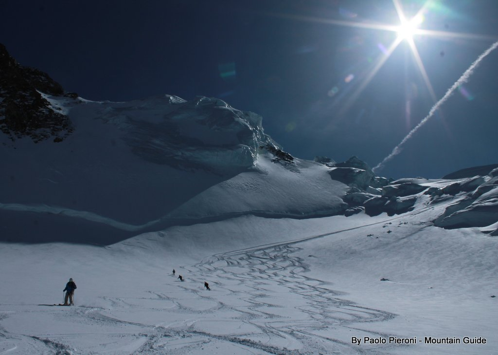 Grantz glacier: powder, sunshine, fresh tracks... heaven!
