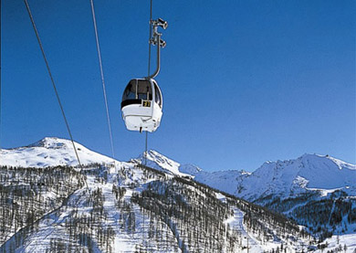 Modern lift system in this region makes skiing and connecting efficient.
