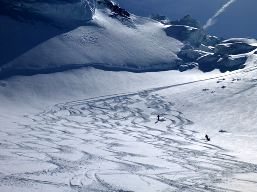 Grantz Glacier tracks laid down by the Morningstar crew.  Come on over in 2016 and add some of your own turns to the mix!