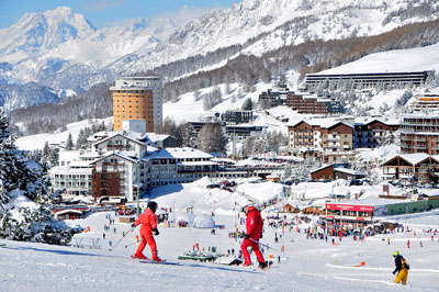 Sestriere region is an intermediate parasdise, with hundreds of kilometers of groomed trails connecting 6 resorts and two countries.