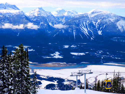 Overlooking the Columbia River, the setting and the skiing are both spectacular in Revelstoke, B.C., home to the LARGEST vertical in North America.