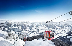 hahnenkamm-gondelbahn-im-winter-cable-car-mountain-hahnenkamm - Copy
