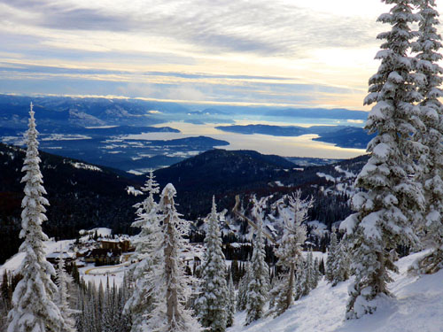 A plethora of great lake and mountain views await you at Schweitzer. Great skiing and great panos.