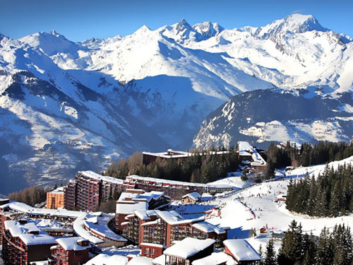 Les Arcs and La Plagna comprise THE BIGGEST single ski resort in the world. We are doing a ski in / ski out week, staying in the best part of the resort.